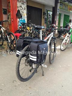 Tas Sepeda Touring