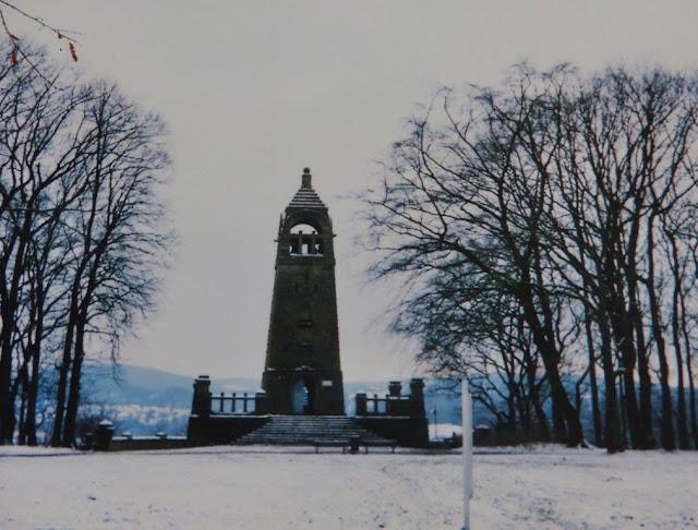 Hohenstein Witten Hunderunde Ruhrgebiet Ruhrpott Wanderung Wandern Winter Schnee Analog