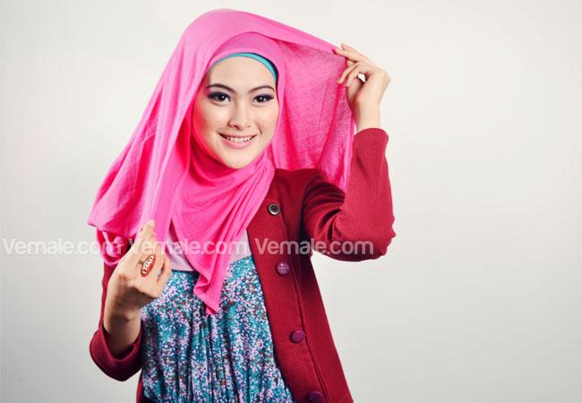 Gaya Modis Dan Praktis Dengan Jilbab Pashmina Rayon