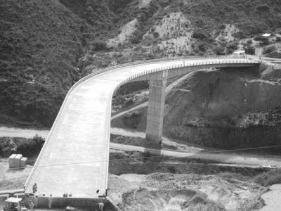 El puente de Quebrada Onda, ruta Tarija - Potosí