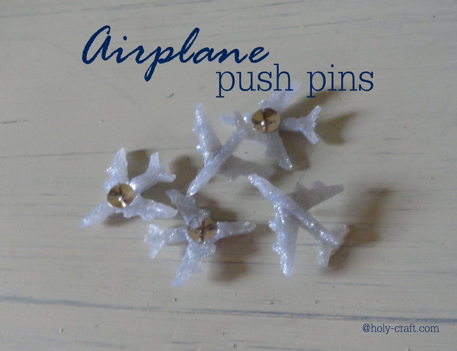 http://4.bp.blogspot.com/-jXWyACe3TxQ/U7YAX50LuSI/AAAAAAAAaGE/yzYqDJ6wD5w/s1600/airplane+push+pins+final.jpg