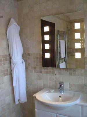 Modernos dise os de espejos para el ba o ba os y muebles - Espejos bano diseno ...