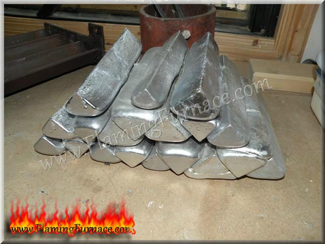 triangular  aluminum ingots make it easy to stack pile them