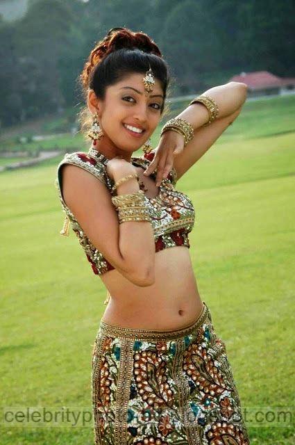 Telugu%2BActress%2BPranitha%2BHot%2BJuciy%2BNavel%2BShow%2BStills%2BPhotos006