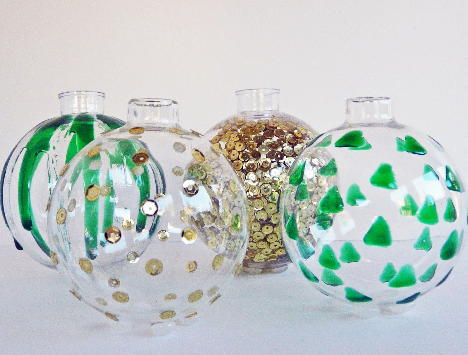 Glue for glass ornaments - The Great Thing About These Vases Is That They Can Easily Become Ornaments Again Just Pop On The Top I Don T Think I Would Even Bother Removing The Feet