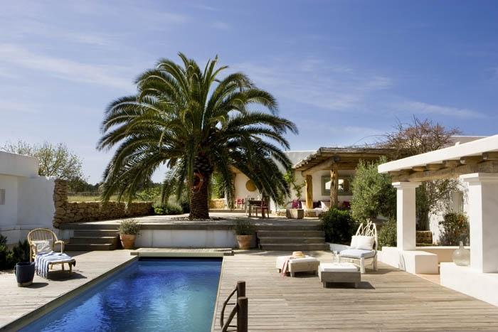 Estilo rustico piscinas rusticas ii for Piscinas en patios de casas