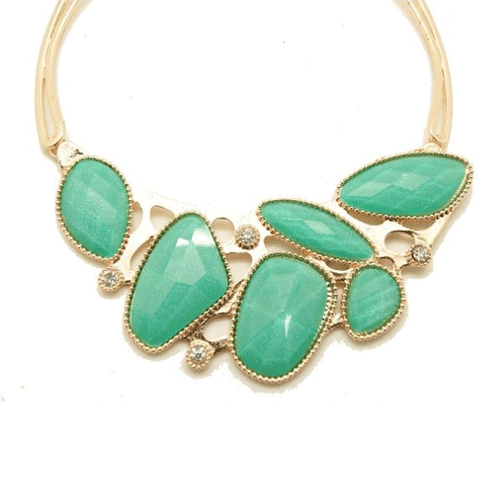 green leaves statement necklace