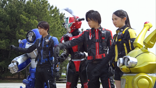 The lead cast of Tokumei Sentai Go-Busters