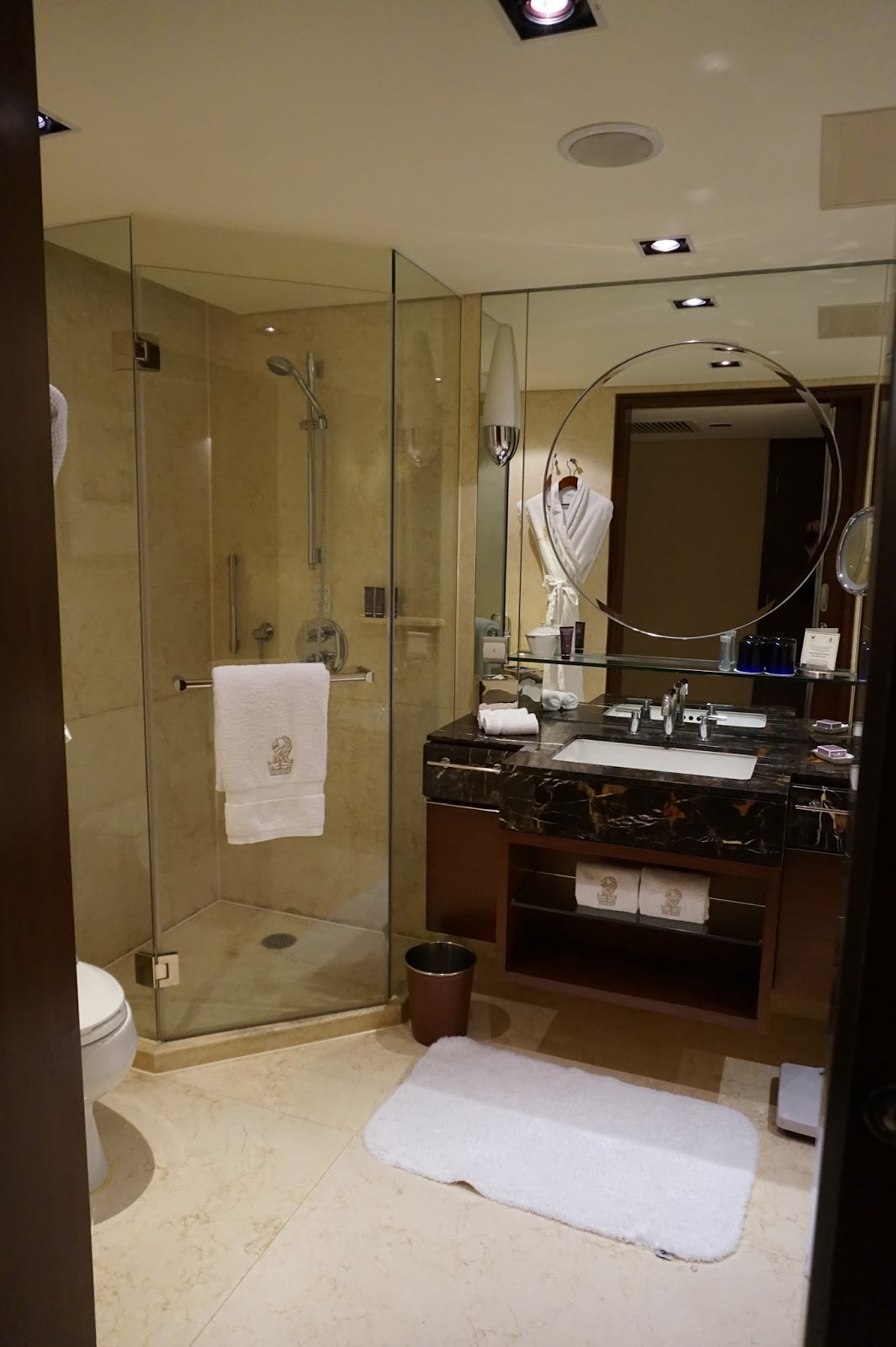 portman ritz-carlton shanghai china prc hotel review deluxe room bathroom