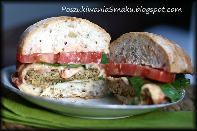 """Wegetariański """"hamburger"""" z tofu i czerwonej fasoli"""
