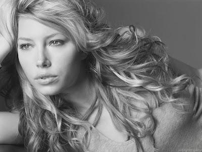 Hollywood Actress Wallpaper-Jessica Biel-907-1600x1200