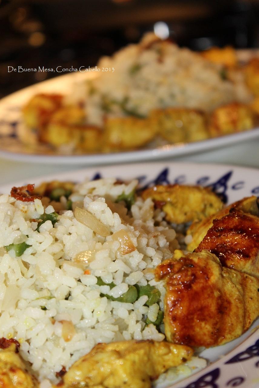 Pollo adobado con arroz salteado - Arroz salteado con pollo ...