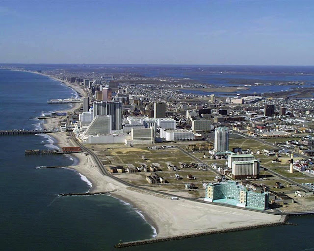 ATLANTIC CITY - SKYLINE