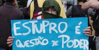 Estupro é questão de poder - cartaz da Marcha das Vadias em São Paulo