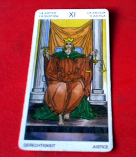 La Justicia- Tarot Universal