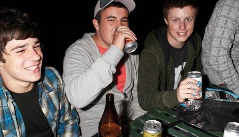 Teen drinking underage drinking