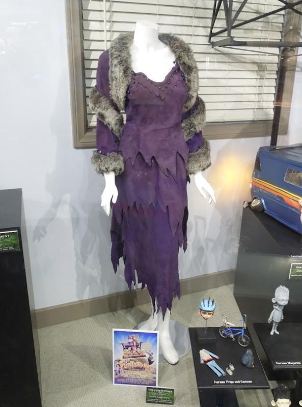 Elizabeth Taylor Pearl Slaghoople costume The Flintstones