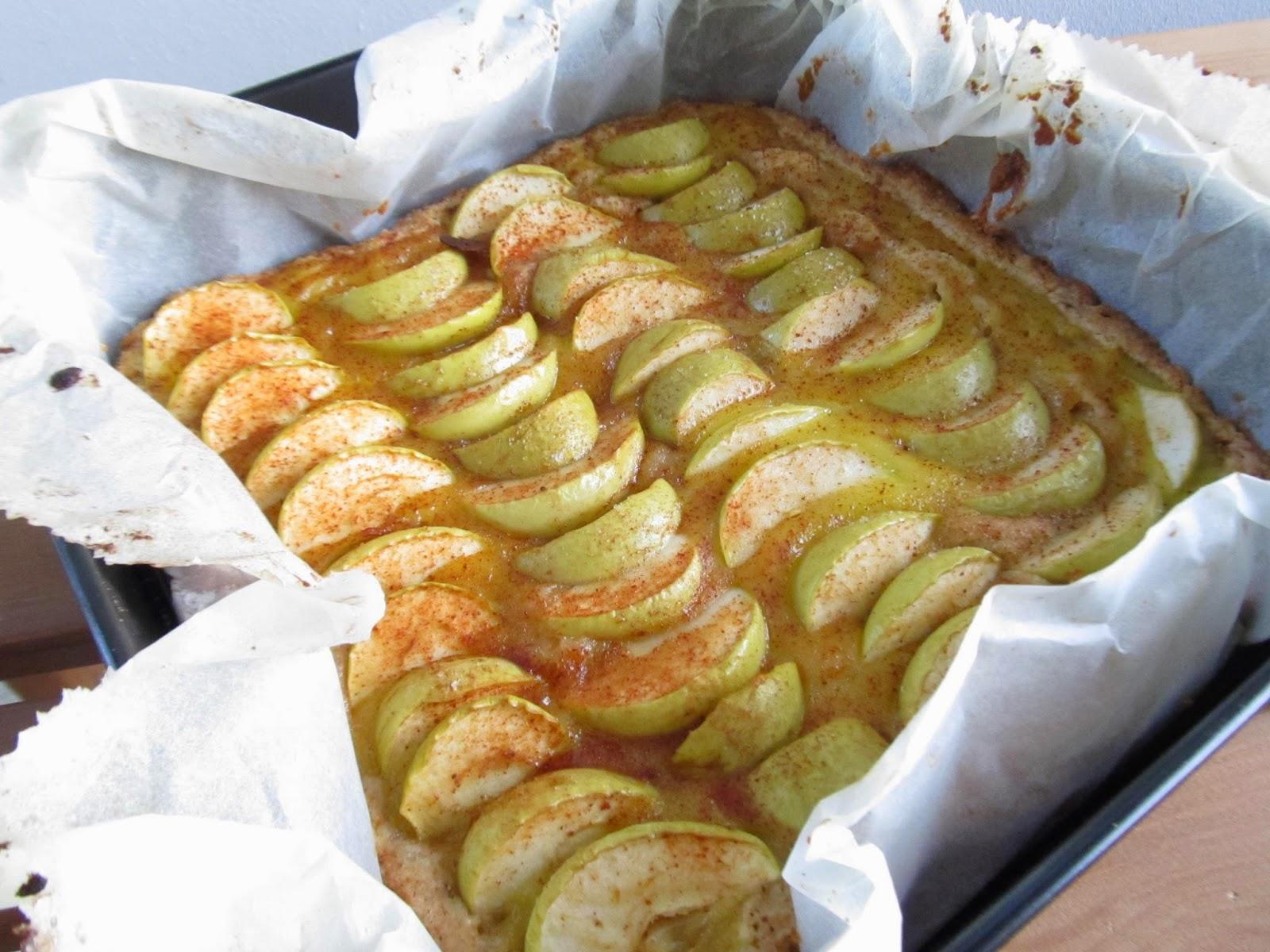 Vaniljainen omenapiirakka