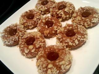 حلويات العيد بالشكلاط واللوز رائعة وسهلىة التحضير بالصور