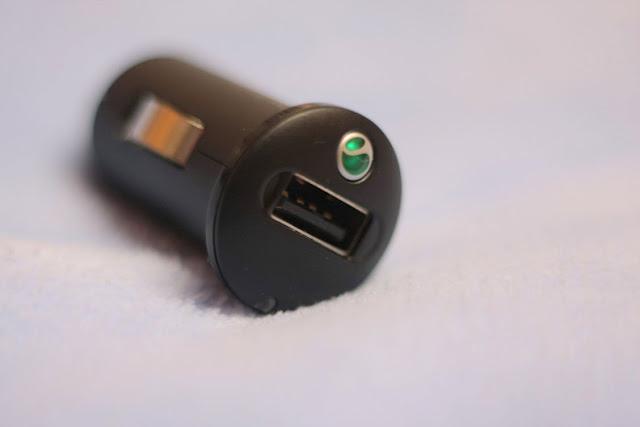 シガーソケット クルマ 社内 車 車内 充電 iphone USB 供給 電気供給 電気