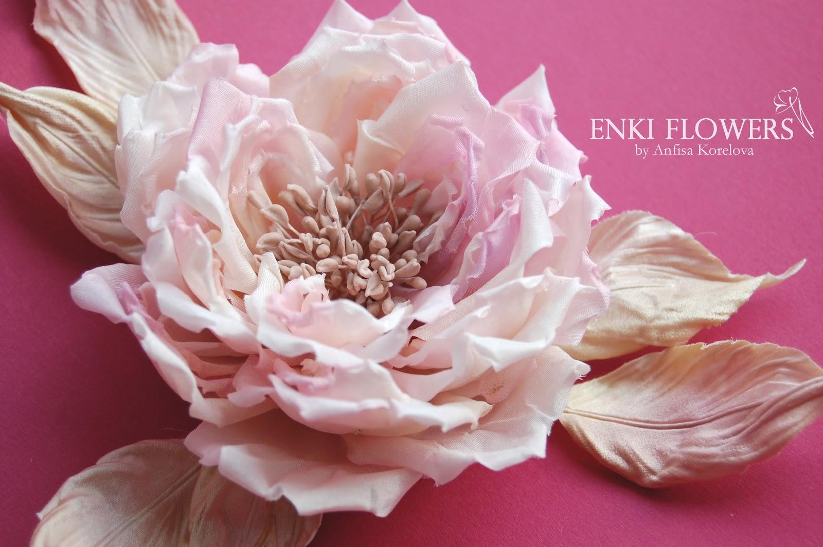 Цветы из накрахмаленной ткани своими руками