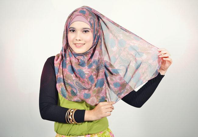 mutia.blogspot.com/2013/04/cara-memakai-jilbab-pashmina-chiffon.html