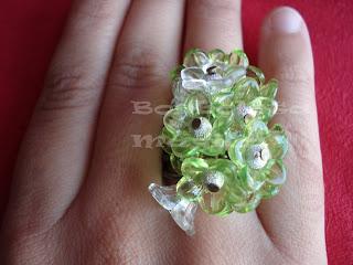 Os meus aneis de flores Anel%2Bflores%2Bverde%2Be%2Bbranco