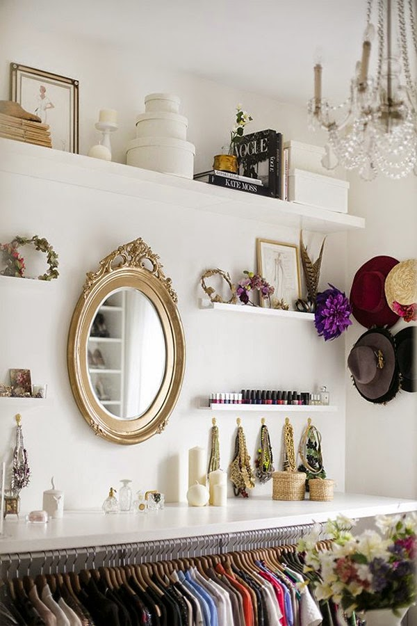 vestidor blanco de ikea espejo dorado ovalado mypeeptoes paula ordovás