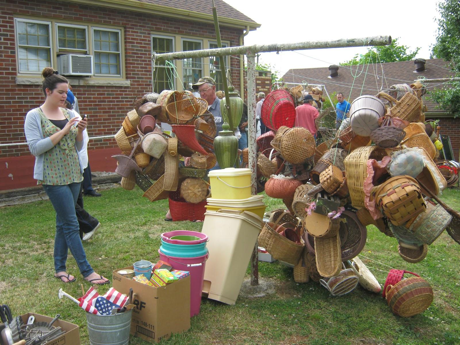 http://4.bp.blogspot.com/-j_LfpuWKT3E/T57H0gqAjMI/AAAAAAAAGVQ/FKOxdXO1KRs/s1600/30+megan+baskets+auction.JPG