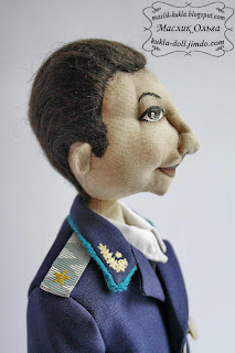 "<img src=""http://maslik-kukla.blogspot.com/2012/08/blog-post_31.html#more"" alt=""Тыквоголовая текстильная кукла 2″ />"
