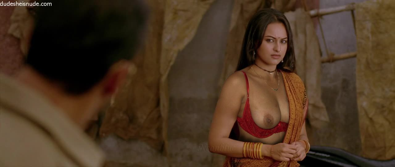Sonakshi Sinha Nude Showing Her Pussy And Topless Big Boobs Nipples