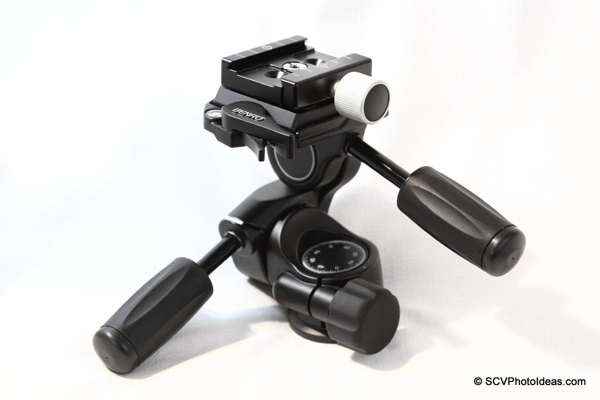 Hejnar Photo F010A QR Clamp on Benro HD-38 head overview