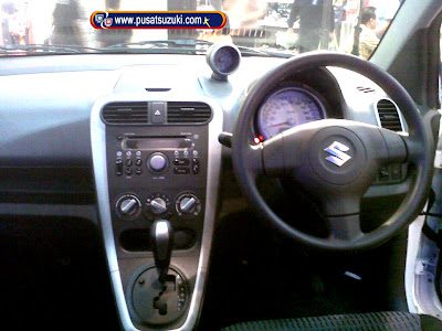 interior suzuki splash baru 2013