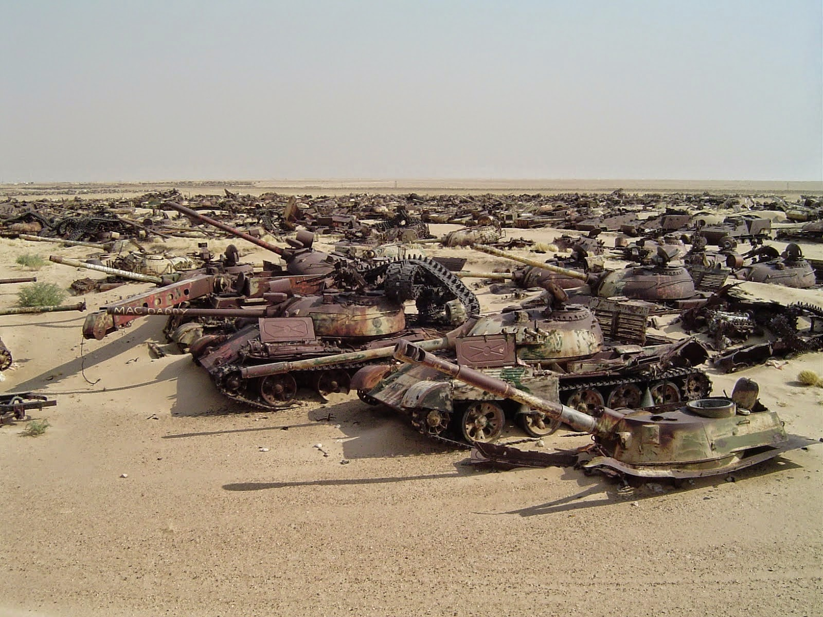 Tank graveyard in Kuwait, tank best picture, historical tank picture
