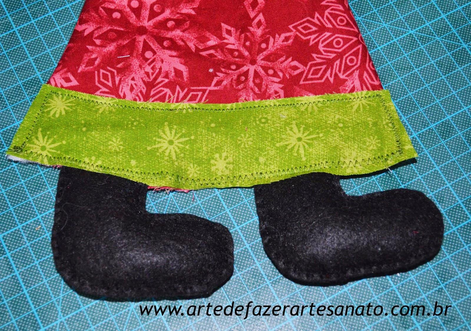 Papai Noel em tecido montagem do corpo