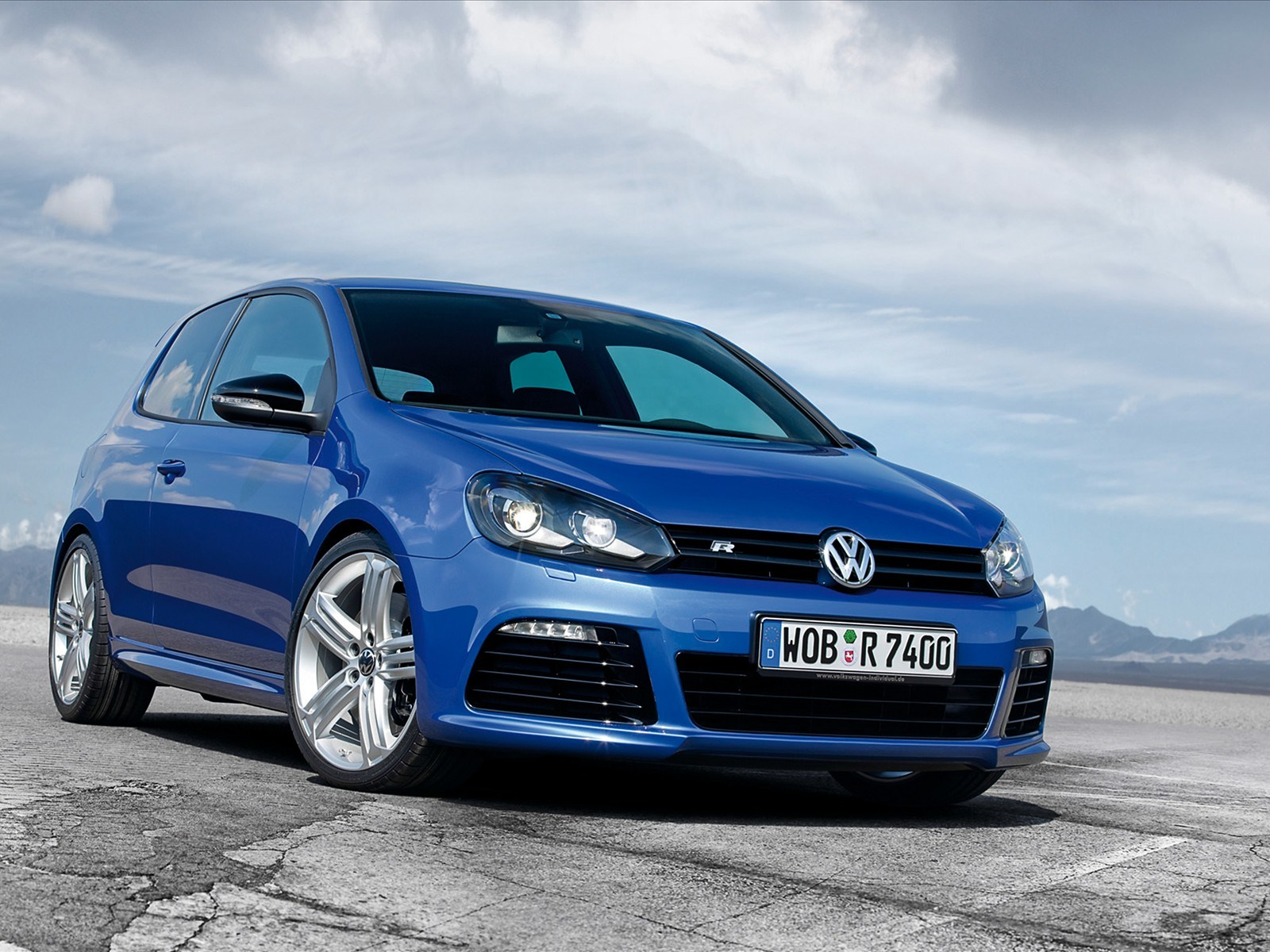2015 volkswagen golf r wallpapers car wallpaper collections gallery view. Black Bedroom Furniture Sets. Home Design Ideas