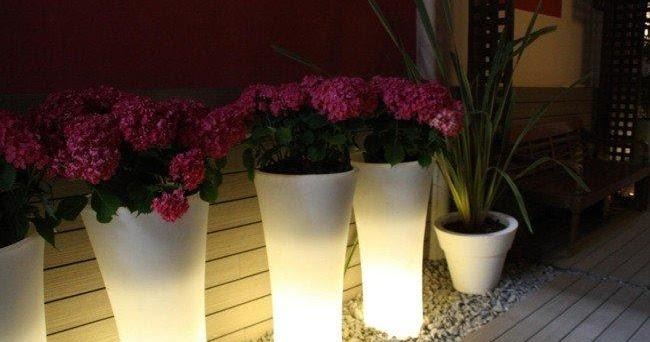 Garden center ejea macetas iluminadas para decorar for Macetas interiores decoracion