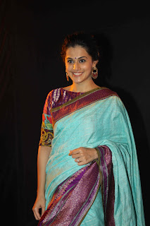 Taapsee Pannu looks cute and homely in Saree at LFW 2015 Show