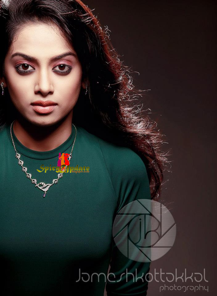 SPICY UPDATE: Gauthami Nair Latest Sizzling Hot PhotoShoot ...