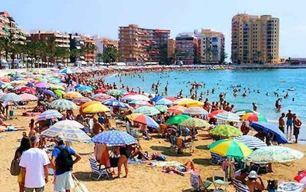 En España tenemos playas con olor a humanidad...