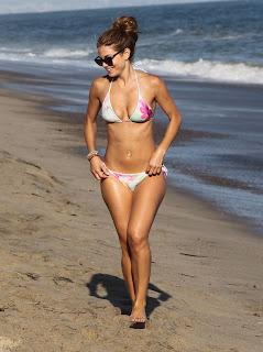 Maria Menounos in a floral bikini at the beach