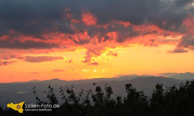 Sonnenuntergang - Aussicht ins Landesinnere von Enna