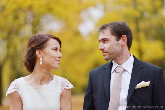 Delikatne kolczyki ślubne sutasz ivory z perłami.