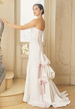 Fashion and stylish dresses blog jessica mcclintock for Jessica designs international wedding dresses
