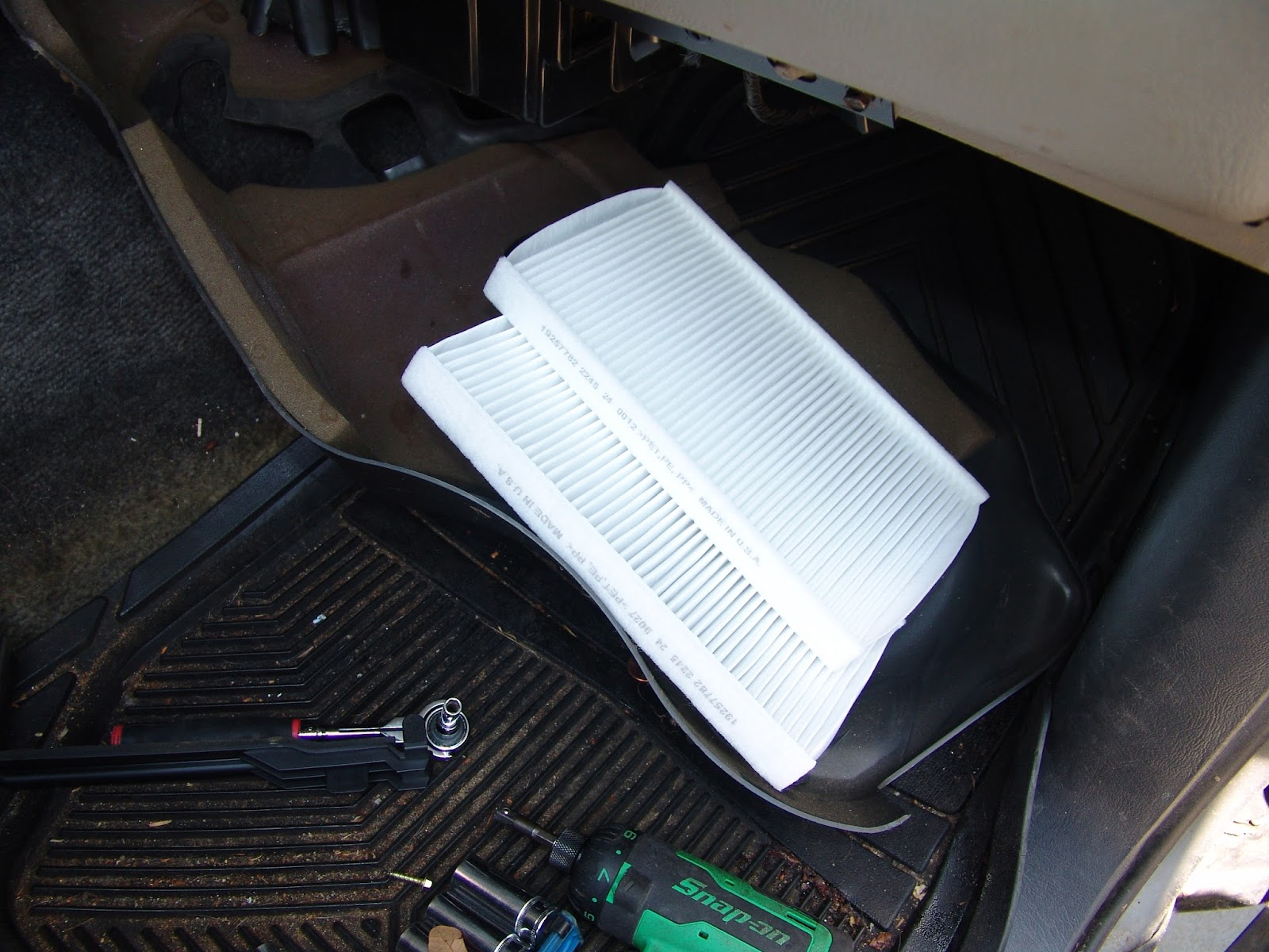 cabin air filter location 94 ford bronco
