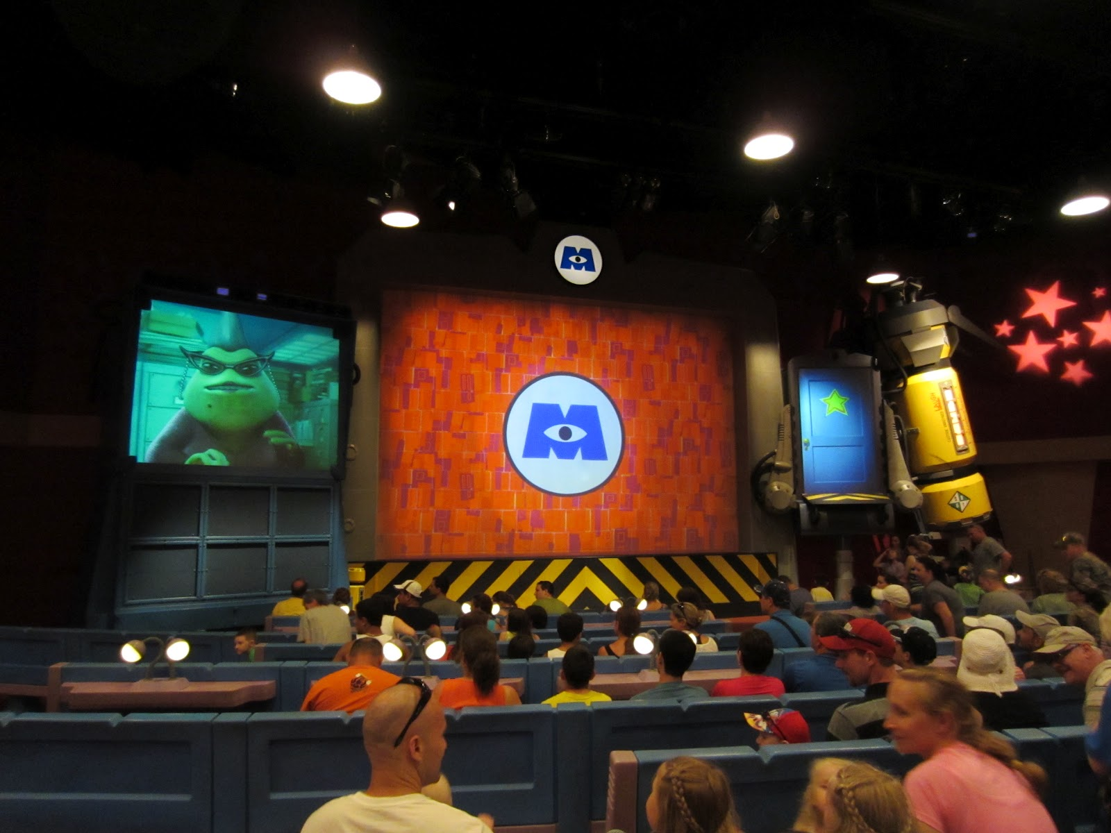 Digital Disney World Ddw Pic 320 Monsters Inc Laugh Floor