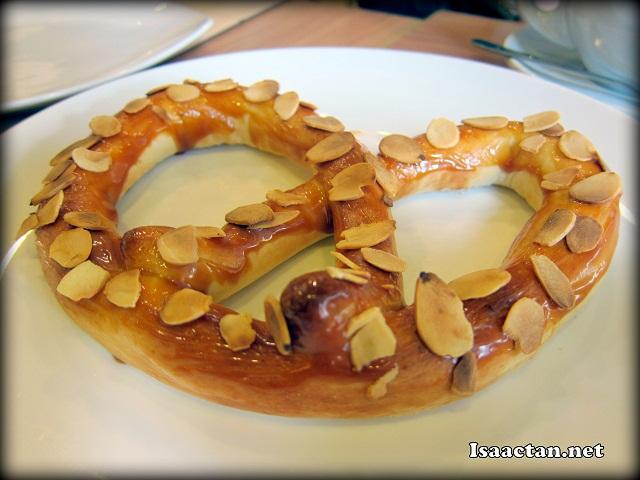 Caramel Almond Pretzel - RM7.50