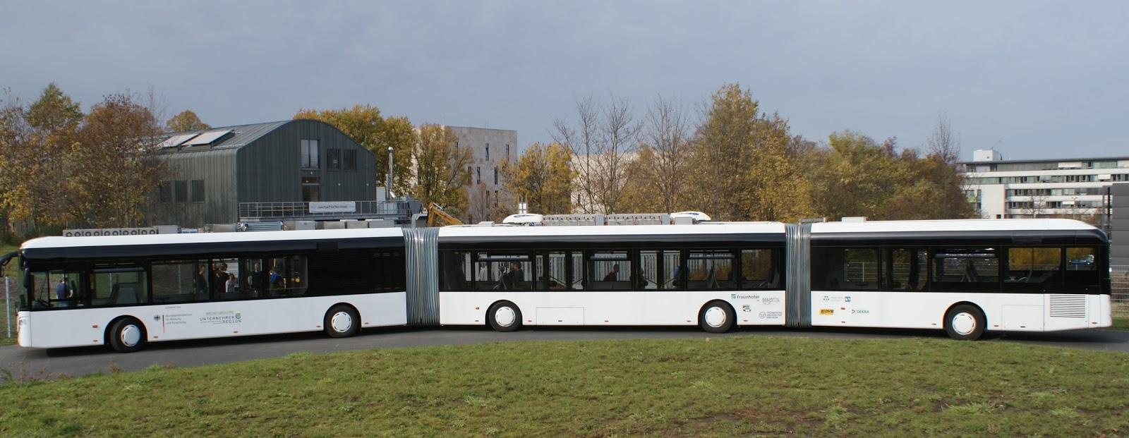 The Overhead Wire Most Read 82 Foot Buses For The Orange