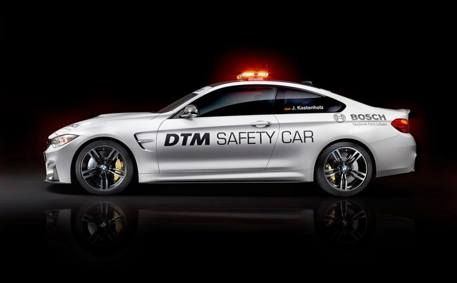Carro - BMW M4 Coupe DTM Safety Car (2014)