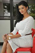 Ishitha Vyas sizzling pics-thumbnail-6